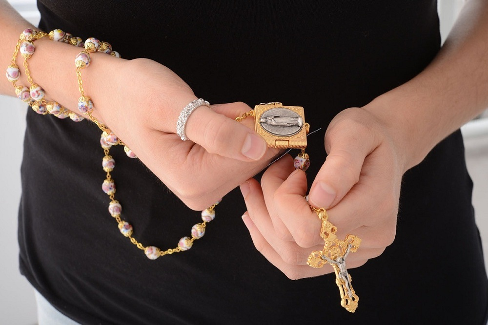 How to pray the rosary – 10 important steps