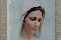 Our Lady of Medjugorje: how Our Lady of Peace is represented