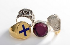 The symbolic value of bishop rings
