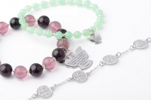7 types of religious bracelets to wear with style