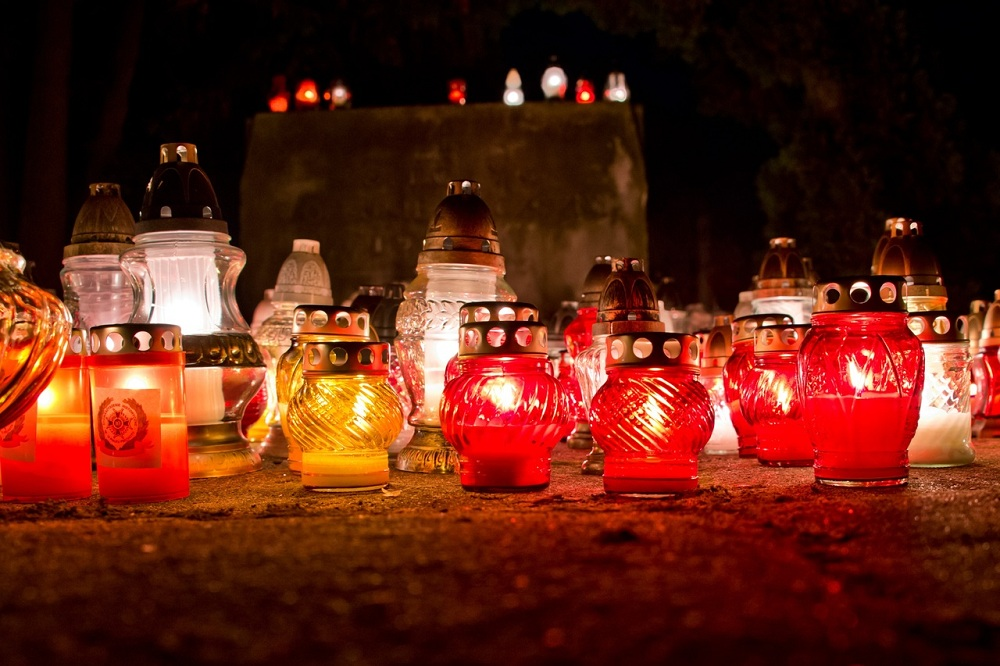 What are votive lights for?